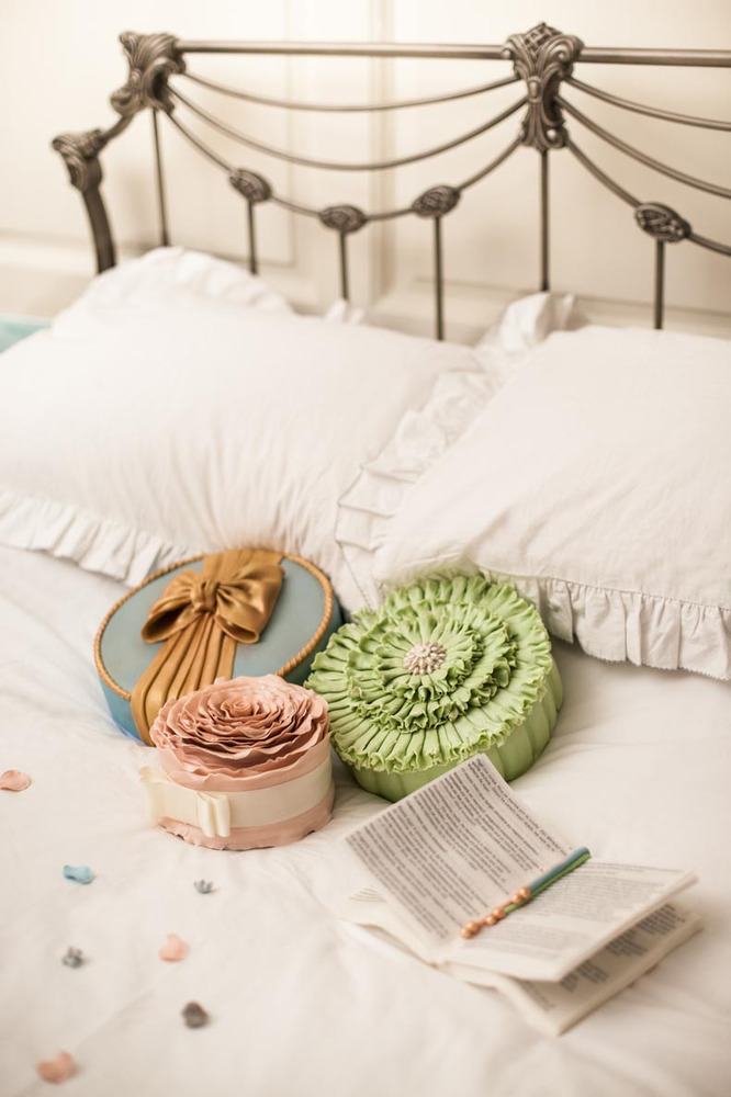 Yes, you can eat those pillows and petals.